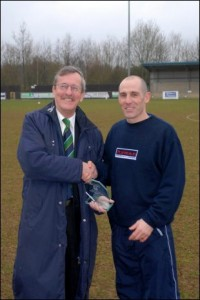 Glen receives the Ryman league 'Manager of the Month' award (February 2008)